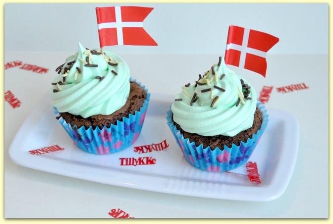 Brownie Cupcake med hvid chokolade icing